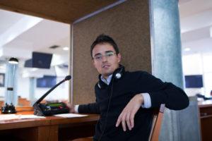 Intérpretes en el punto de mira: traduciendo en el frente