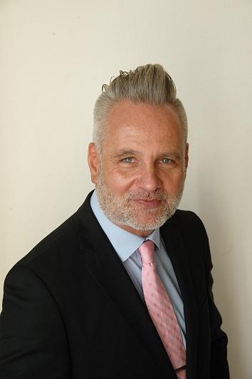 Verkaufsexperte für Finanzübersetzungen: Michael Schacht