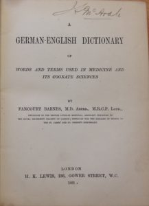 Fancourt Barnes y su diccionario de términos médicos